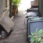 Stinking rubbish bins by entrance