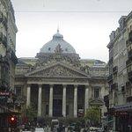 Foto de The Bourse (Stock Exchange)