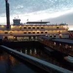 Showboat Branson Belle awaits night cruise