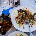 Mussels Appeitizer with Santorini Salad