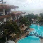 desde el balcón de mi habitaciòn tenìa está vista de la piscina