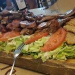 Tabla grande de carne (otro ángulo)