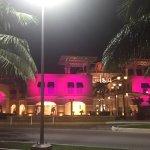 Foto de La Isla Shopping Village