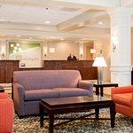 Photo de Holiday Inn Crystal Lake
