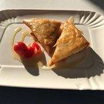 Deliciosos pasteles de queso y miel del desayuno