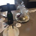 Très belle chambre VIP avec champagne et fruits, problème de clip MaiS résolu le lendemain, pers