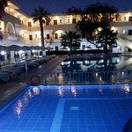 Photo of Marathon Hotel