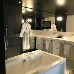 Sofitel Black Suite, bathroom