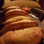 Empanadas, todas de carne y salteñas