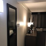 Foto de La Quinta Inn & Suites Arlington North 6 Flags Dr