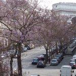 Vue sur l'Arc de Triomphe depuis l'HÔTEL ASTRID PARIS