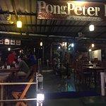ภาพถ่ายของ ป้อง ปีเตอร์ บาร์ และร้านอาหาร