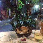 Photo de Creta Embassy Tavern