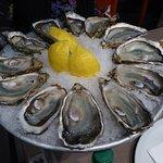 12 délicieuses huîtres Marennes Oléron No 2
