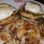 Crab cake Benedict w/home fries