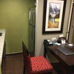 Photo de Homewood Suites by Hilton Calgary-Airport