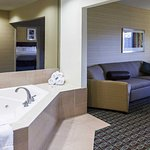 King Whirlpool Suite - Living Area