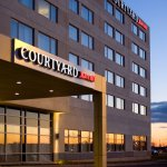 Photo de Courtyard by Marriott Montreal Airport