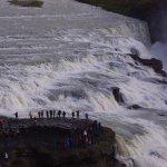 人の大きさで滝のスケールが判りますか?
