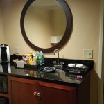 Photo de Embassy Suites by Hilton Dallas - Park Central Area