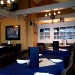 Foto van Water's Edge Restaurant