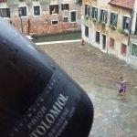 botella DETALLE por parte del Hotel
