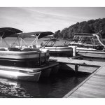 Tritoon (Pontoon) Boats for Rent