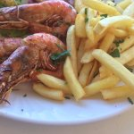 Grilled prawn with gluten free chips