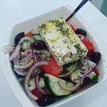 fresca deliciosa ensalada griega