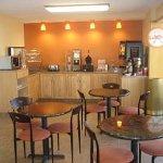 Photo of Howard Johnson Express Inn - Rocky Hill