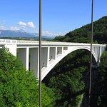 pont des voitures à coté du pont de la caille