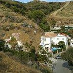 une vue des dernières maison du Sacromonte elle sont troglodyte