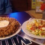 Blooming onion Salad