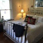 Renyold's Room Queen bed
