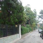 Die ruhige Straße zur Pension
