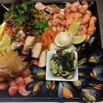 Fins Cold shellfish plater