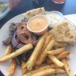 Foto de ZINO'S Greek Restaurant