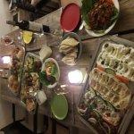 Les Cedres at home. Mäsa Platte und libanesischer Wein mal wieder vom feinsten! So kann man in s
