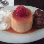 Flan con Dulce de Leche and Cream