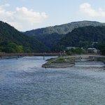宇治橋から宇治川の上流を眺望