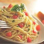 spaghetti in confetto pomodoro.