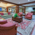 Photo de Holiday Inn Express & Suites Lexington NW-The Vineyard