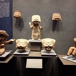 Museo Nacional de Antropologia - The figure in the middle looks like Chinese