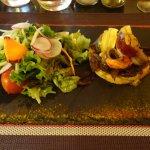 Tartelette fine façon pissaladière aux anchoix de Collioure