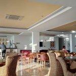 Photo de St. George Gardens Hotel Suites