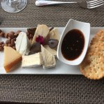 cheese with hazelnuts, fig and chutney