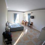 Photo de Saga Hotel Studios & Apartments