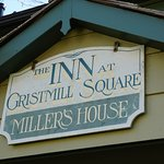 Inn at Gristmill Square Foto