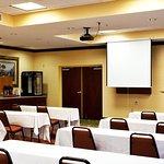 Foto de Holiday Inn Express Hotel & Suites Spring Hill