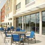 Holiday Inn Express Kansas City - Lee's Summit Patio